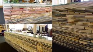 Meja cantik dari tumpukan buku